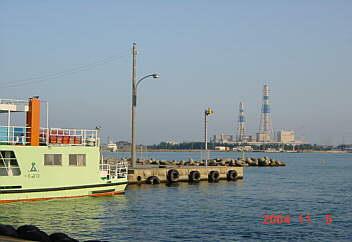 越の潟フエリ−発着所 2004.11.05 PM15:45