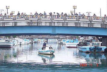 内川船上結婚式 写真提供:商工会議所事務局長 川野修