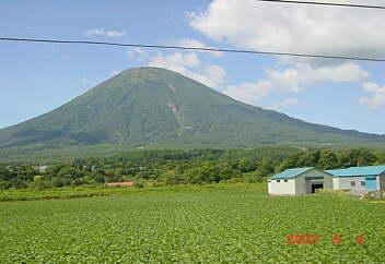 羊蹄山(京極ふきだし公園近隣) 2003.9.4